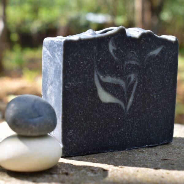 Carbunas-sapun-natural-handmade-carbune-medicinal-Kalari