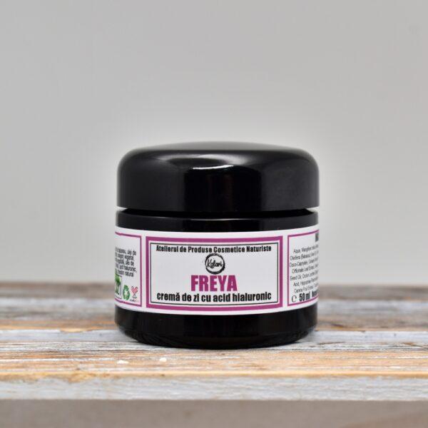 Freya - crema de fata, cu acid hialuronic, colagen si extract de sangele dragonului. Produs in Romania, din ingrediente naturale, hand made. KALARI - cosmetice naturiste.